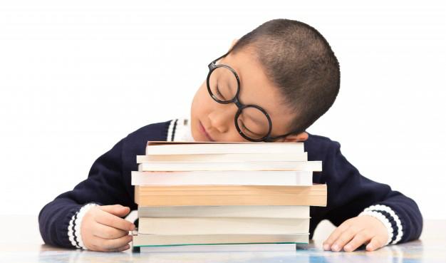 Como lidar com um filho desmotivado para ir à escola?